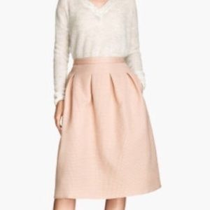 H&m blush pink skirt with gold threading